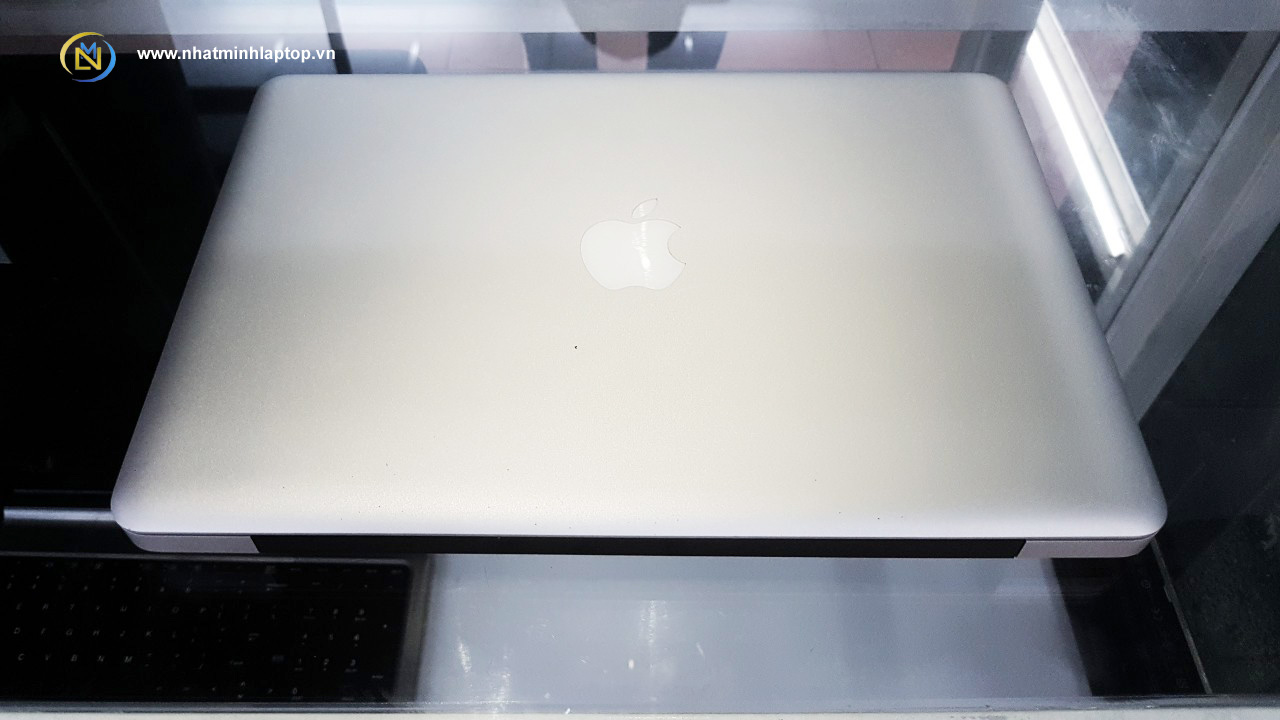 MacBook Pro Ram 4GB NVIDIA GeForce 320M 256MB SATA 250GB