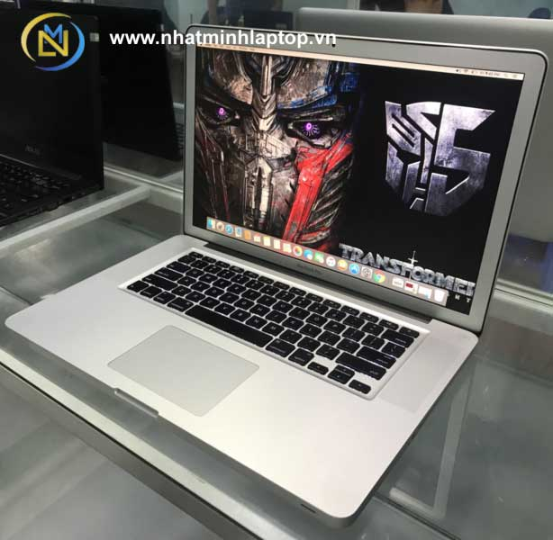 MACBOOK PRO 2011 | INTEL CORE I7 | 15 INCH FULL HD | RAM 4GB | SSD 128GB